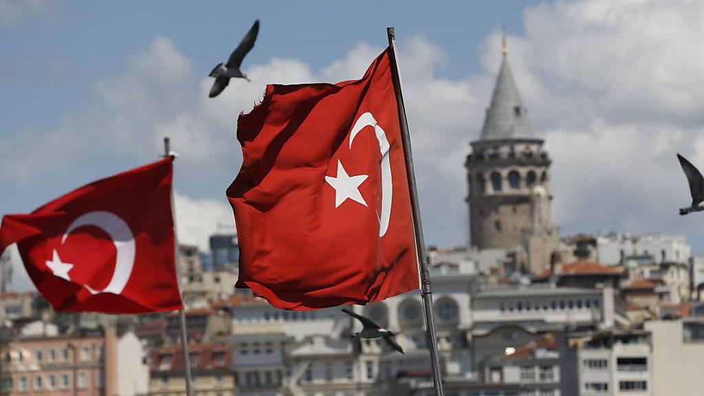 Türkei trifft Massnahmen und lässt keine Kritik zu