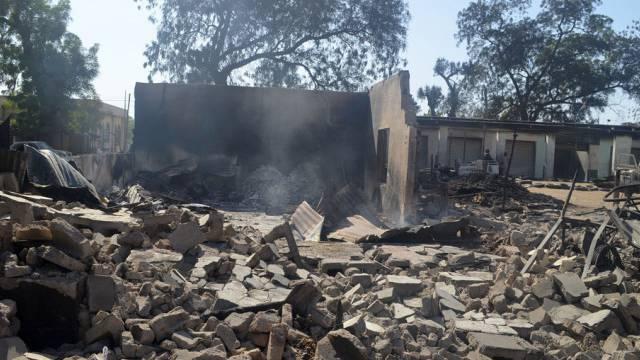 Rauch über Bama: Boko Haram zündet in Nigeria Häuser an (Archiv)