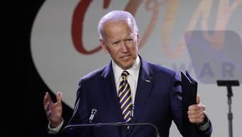 Der frühere US-Vizepräsident Joe Biden soll in einem früheren Wahlkampf eine Frau belästigt haben. (Archivbild)