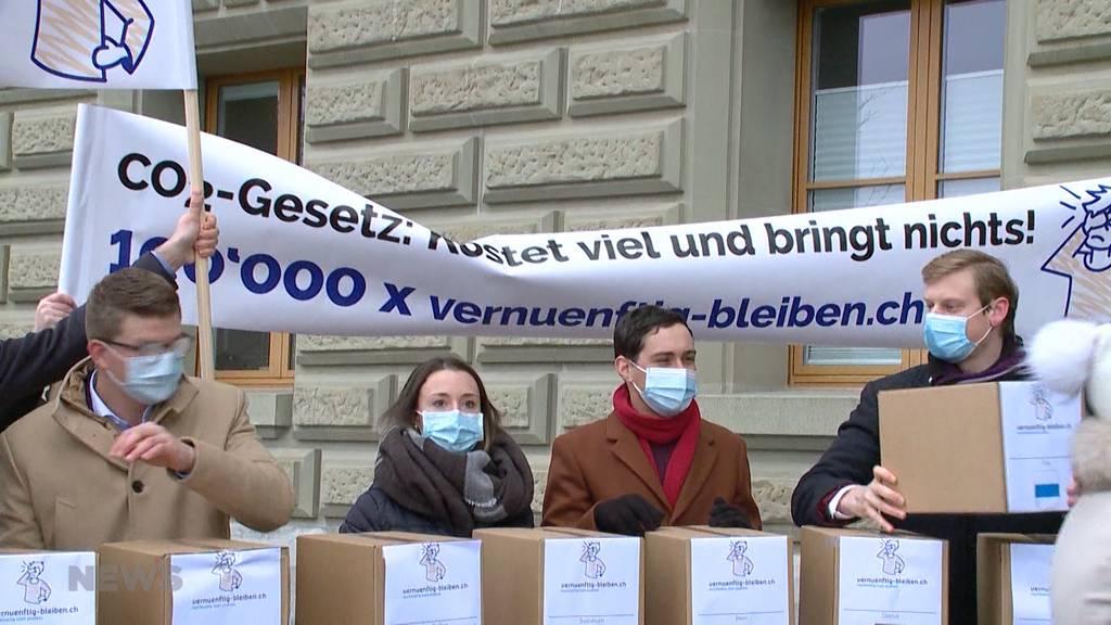 Erdöl- und Autolobby sammelt 110'000 Unterschriften gegen das CO2-Gesetz