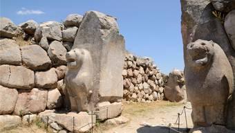 Das Löwentor von Hattusa: Die Hauptstadt des mächtigen Hethiterreichs in Anatolien wurde um 1170 verlassen und zerfiel langsam.Thinkstock/Getty Images/Stockphoto