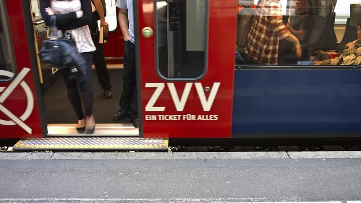 Der ZVV transportiert täglich über 1,8 Millionen Fahrgäste mit Zug, Tram, Bus, Schiff und Luftseilbahn. (Symbolbild)