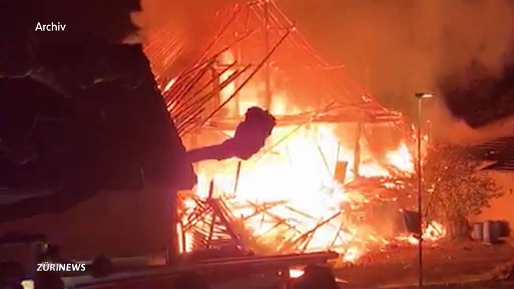 Nach 5 Bränden in 1 Woche: 10 Verhaftungen in Merenschwand