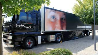 Der 16 Meter lange Brain-Truck macht zwei Wochen lang in Gelterkinden Halt und informiert Schüler und Erwachsene über Hirnverletzungen.