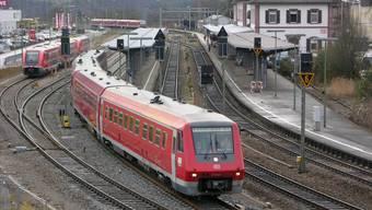 Am Hochrhein fahren die Züge auf deutscher Seite noch mit Diesel.