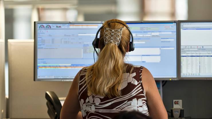Kantons- und Regierungsrat wollen im Kanton Zürich eine telefonische Anlaufstelle für medizinische Notfälle schaffen. Symbolbild Keystone