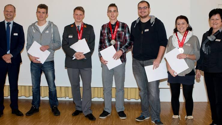 v.l. Martin Altenbach, Cedric Schluep, Manuel Bieri, Jan Menth und Jasmin Bandini
