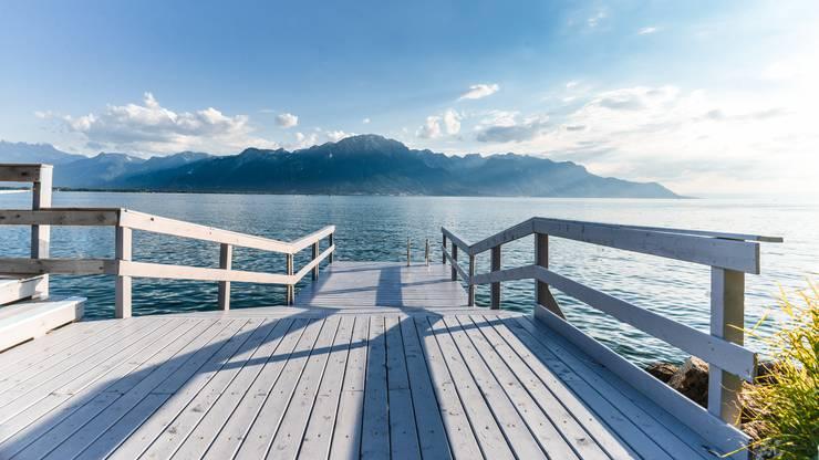 Ein Deck zum Chillen und Baden. Copyright: Maude Rion/Montreux Riviera