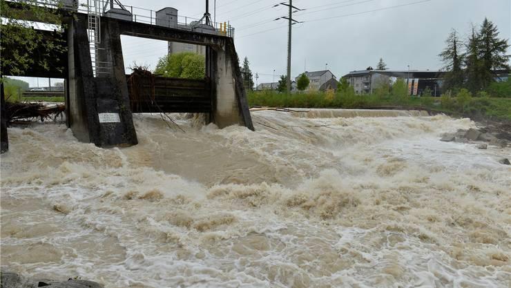 «Die Hochwasser 2005 und 2007 haben die erheblichen Schutzdefizite entlang der Emme zwischen dem Wehr Biberist und der Aare in Luterbach/Zuchwil deutlich aufgezeigt», hält die Handelskammer in einer Mitteilung fest.