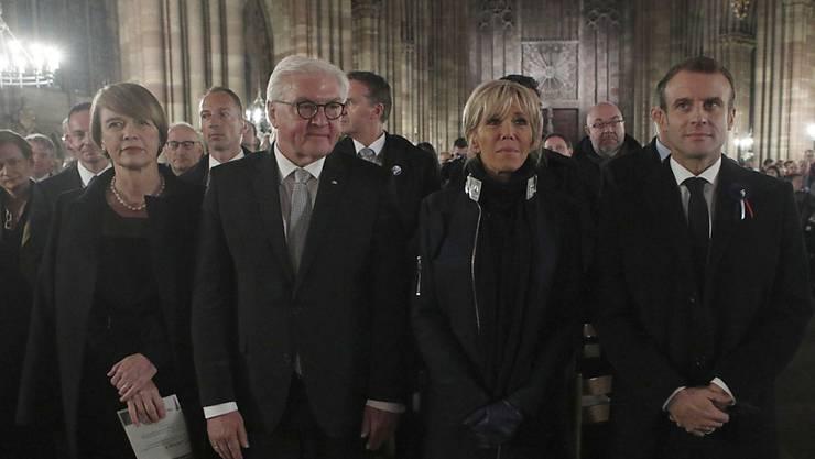 Bei einem Friedenskonzert haben der französische Präsident Macron und sein deutscher Amtskollege Steinmeier des Endes des Ersten Weltkrieges vor 100 Jahrhunderts gedacht.