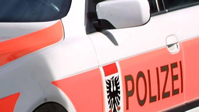 Der Mitarbeiter der Stadtpolizei Aarau gegen den wegen häuslicher Gewalt ermittelt wurde, ist wieder im Dienst.
