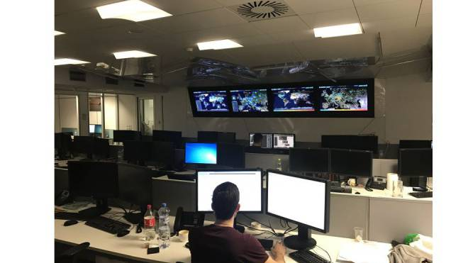 In «Houston», der Kommandozentrale von Eset, arbeiten die IT-Sicherheitsforscher bis tief in die Nacht. Foto: Raffael Schuppisser
