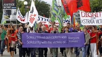 Kundgebung in Zug: Rund 300 Personen demonstrieren gegen Rohstoffmultis