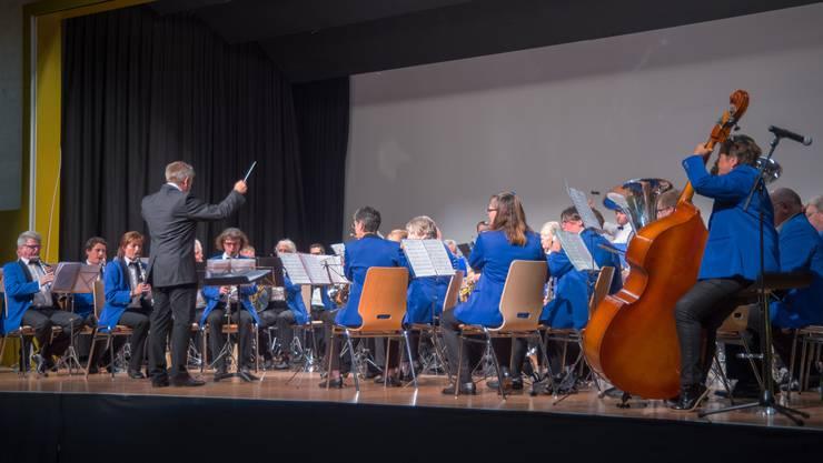 Ein Bild vom Musiktag 2018: die Harmonie Gerlafingen bei ihrem Auftritt.