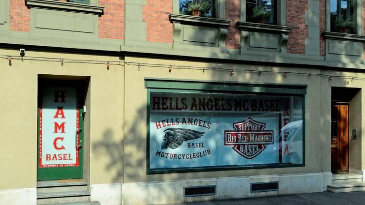 Das Clublokal der kamerascheuen Hells Angels in einer eher bieder wirkenden Liegenschaft an der Hammerstrasse in Basel.  Kenneth Nars