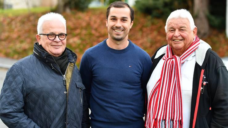 Egerkingens neuer Trainer Jusuf Dajic (Mitte), Spiko-Präsident Christian Sulser (links) und Präsident Peter Weh.