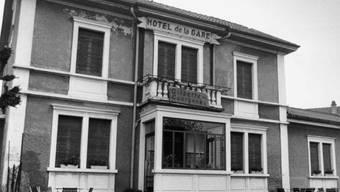 """Das """"Hotel de la Gare"""" in Courgenay (Archiv)"""