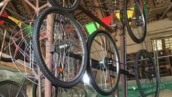 Auch aus alten Metallteilen und Fahrrädern lässt sich ein fantastisches Umzugssujet bauen. Vorausgesetzt, man verfügt über gute Ideen und viel handwerkliches Geschick.