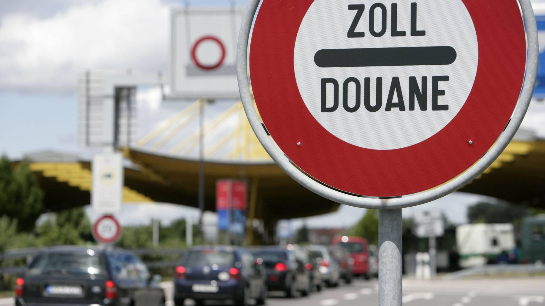 Einkäufe in Konstanz sollen entweder in Deutschland oder in der Schweiz verzollt werden, das fordert die Kams.