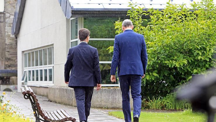 Ringen weiter um die Regierungsbildung: Der britische Nordirland-Minister James Brokenshire (links) und der irische Aussenminister Simon Coveney (rechts).