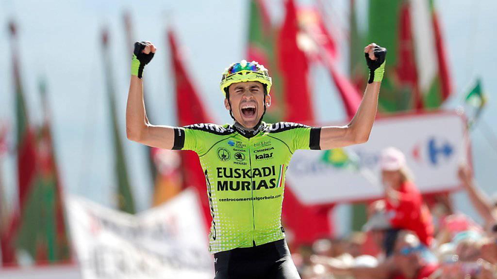 Etappensieg für Vuelta-Neuling: Der 23-jährige Spanier Oscar Rodriguez freut sich auf dem Alto de La Camperona über seinen Coup