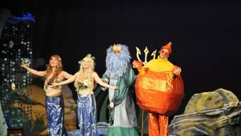Farbenfrohe Kostüme und Bühnenbilder verzauberten das Publikum.