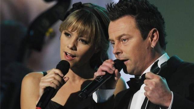 Francine Jordi und Florian Ast, damals noch ein Paar, gemeinsam auf der Bühne. Foto: Steffen Schmidt - Keystone