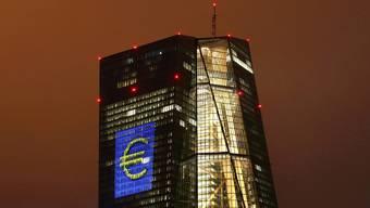 Hier wird das Zinsniveau in Europa massgeblich bestimmt, auch für die Schweiz: Der Sitz der Europäischen Zentralbank (EZB) in Frankfurt.