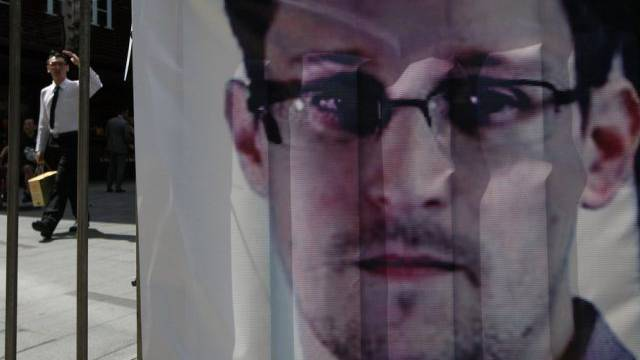 Ein Banner manifesiert Unterstützung für Snowden