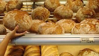 Für betroffene Brote und Gebäcke wurden Verkaufsstopps verhängt. (Symbolbild)