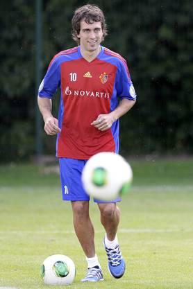 Matias Delgado kommt endlich beim FCB an und schiesst gleich sein erst Tor.