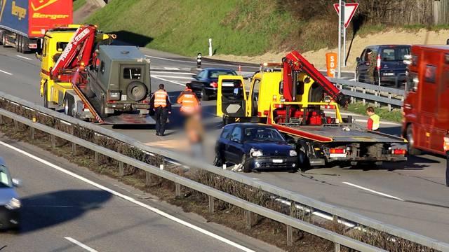 Die Unfallstelle und das Verkehrschaos im Video.