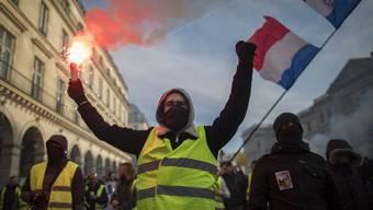 Erstmals in der Sozialkrise, die Frankreich seit November im Griff hält, kam es zu einem Schulterschluss zwischen «Gelbwesten» und Linksformationen.