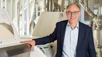 Hansjörg Knecht in seiner Mühle in Leibstadt: Dar-Vida-Riegel werden gekauft wie nie.