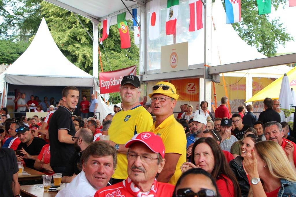 Das Achtelfinale am Public Viewing (© FM1Today/Fabienne Engbers)
