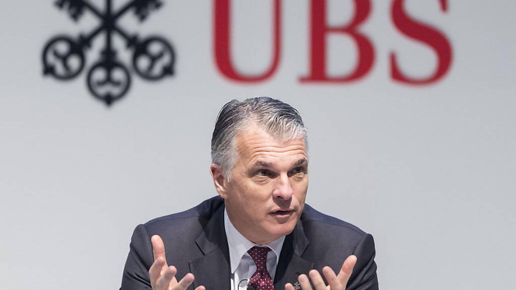 UBS-Chef Sergio Ermotti fährt mit seiner Grossbank deutlich mehr Gewinn ein. (Archiv)