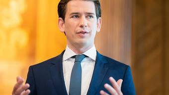 Sebastian Kurz, Bundeskanzler von Österreich, spricht während einer Pressekonferenz vor Beginn eines Ministerrats im Bundeskanzleramt. Foto: Georg Hochmuth/APA/dpa