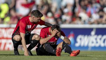 Enttäuschte Aarauer nach dem Barrage-Rückspiel zwischen dem FC Aarau und Xamax.
