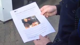 Flugblatt statt Facebook: Die Polizei sucht direkt in Rupperswil nach Personen, die Auskunft zur Bluttat mit vier Toten geben können.