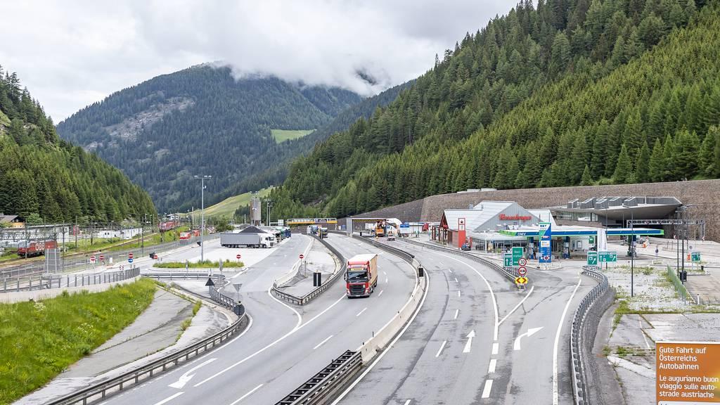 Lastwagenverkehr verlagert sich von der Schweiz nach Österreich