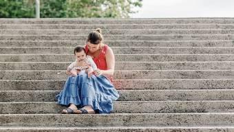 Die Verdienste von vielen Sans-Papiers wie Valeria, die als Babysitterin arbeitet, sind in der Coronakrise weggebrochen.
