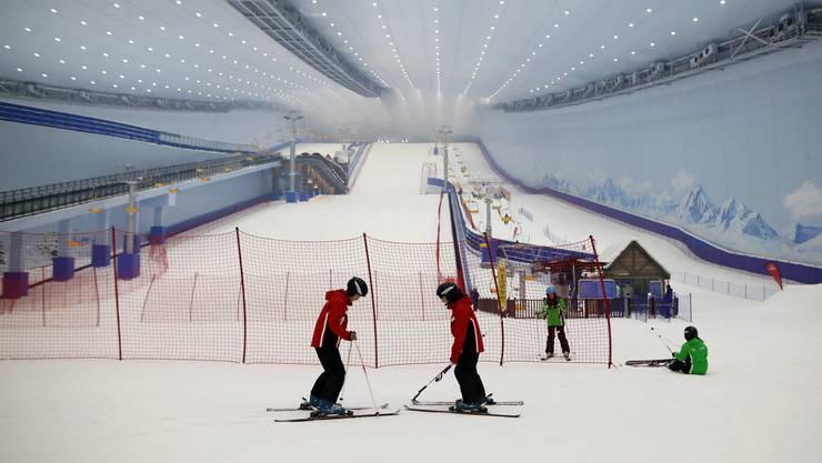 In China schiessen Skihallen und neue Skigebiete wie Pilze aus dem Boden.