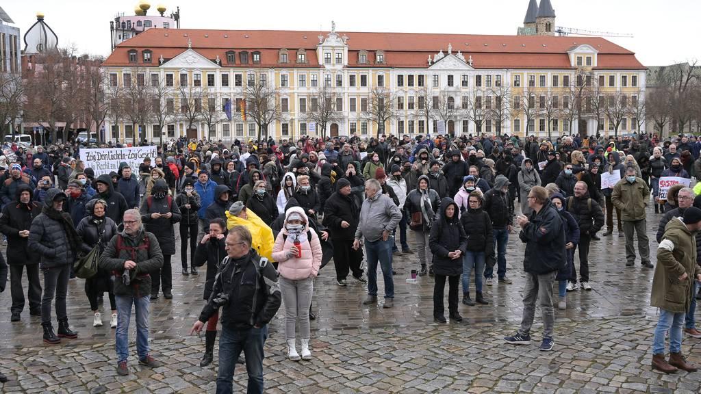Teilnehmer einer Demo in Magdeburg am Samstag.