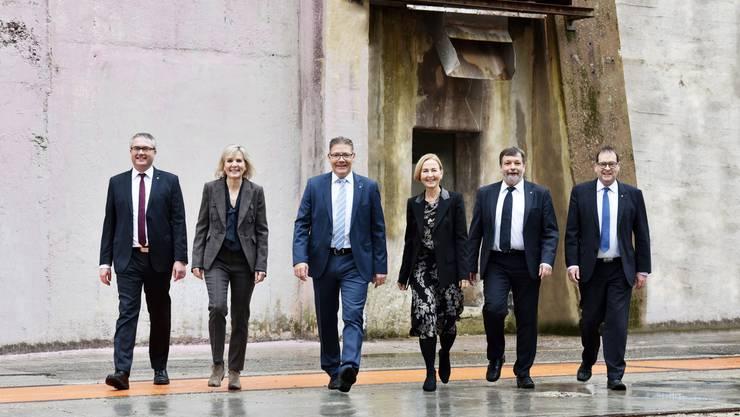 Dynamischer Auftritt im 2019: Das offizielle Bild des Solothurner Regierungsrates.