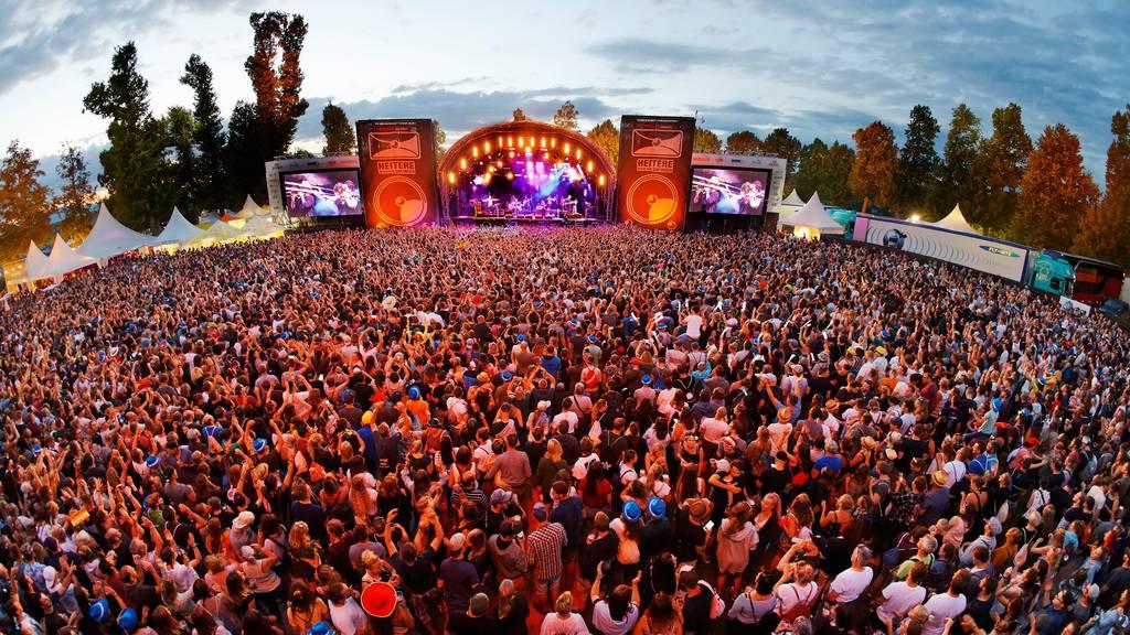 Werden 2021 nur noch Geimpfte Konzerte und Fussballspiele besuchen dürfen?