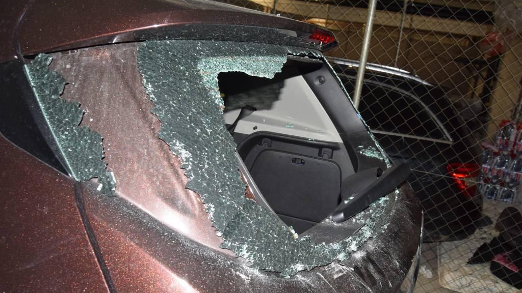 Mehrere Autos in Tiefgarage aufgebrochen