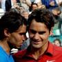 Rafael Nadal und Roger Federer 2011 nach ihrem letzten Final-Duell in Roland Garros.