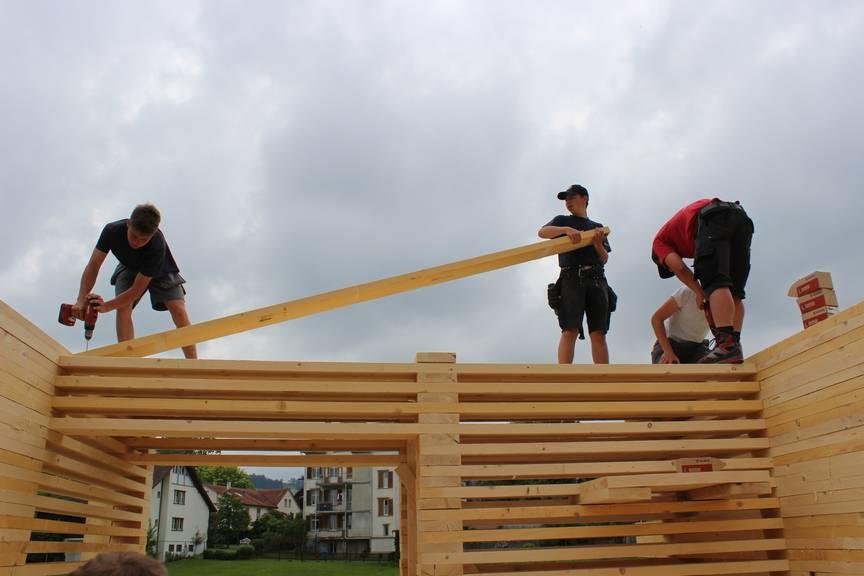Die Firma Nägeli aus Gais hilft beim Pop-Up-Projekt mit. (Bild: FM1Today/Krisztina Scherrer)