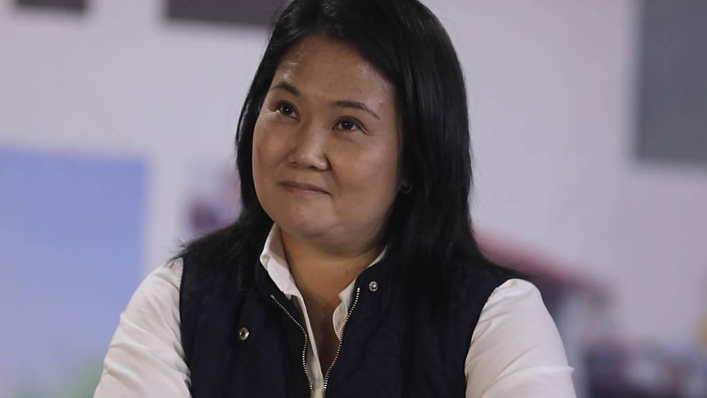 Präsidentschaftskandidatin Keiko Fujimori lächelt während einer Pressekonferenz in ihrer Wahlkampfzentrale.