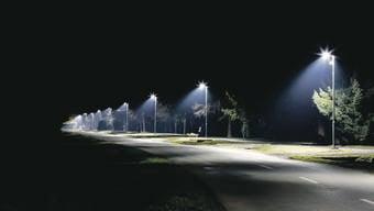 An der Zürcherstrasse in Schlieren werden neue Leuchten installiert. (Symbolbild)